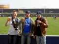 Martin Karlehammar, Niclas Winroth och Mikael Nilsson skålar ikapp under damlagsmatchen